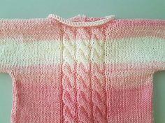 Os dejo un jersey de primera puesta, en este caso de algodón, muy fácil y rápido de hacer.  Primero unas fotos y a continuación las instrucc...