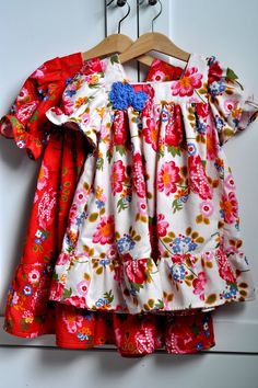 Aesthetic Nest: Sewing: Pretty Posie Dresses