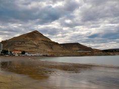 Argentina- Provincia del Chubut- Ciudad Comodoro Rivadavia, playa Rada Tilly.