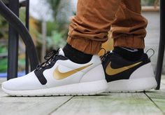 Nike Roshe Courir 3M Hyperfuse Unisexe 669689-400 Blanc/Gold/Noir Sportifs  Chaussures