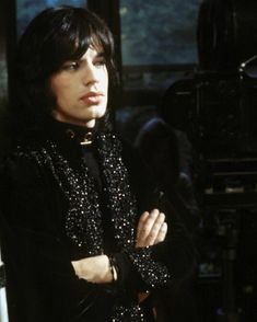I still don't fully understand it' – behind the scenes photos from the cult classic 'Performance? I still don't fully understand it' – behind the scenes photos from the cult classic Mick Jagger Rolling Stones, Los Rolling Stones, Street Film, El Rock And Roll, Moves Like Jagger, Keith Richards, Scene Photo, Glam Rock, Classic Films