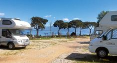 Pitch Tip Lonato del Garda: With the mobile home in the southwest of Lake Garda - Motorhome Diy Camping, Camping Hacks, Motorhome Conversions, Motorhome Interior, Lake Garda, Mobile Home, Campsite, Van Life, Viajes