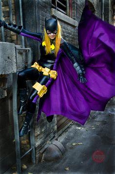 Character: Batgirl (Stephanie Brown) / From: DC Comics 'Detective Comics' & 'Batgirl' / Cosplayer: Jenn Batgirl Cosplay, Dc Cosplay, Marvel Cosplay, Best Cosplay, Cosplay Girls, Female Cosplay, Awesome Cosplay, Batman And Batgirl, Superman