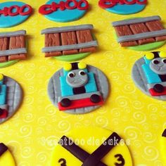 Thomas the Tank Engine fondant cupcake toppers www.facebook.com/SweetDoodleCakes Thomas And Friends Cake, Toddler Meals, Toddler Recipes, Thomas Cakes, Fondant Cupcake Toppers, Fondant Tutorial, Thomas The Tank, Cake Icing, Third Birthday
