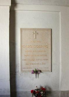 San Gaudenzio - Agliè ( Torino ) : qui è sepolto Guido Gozzano.