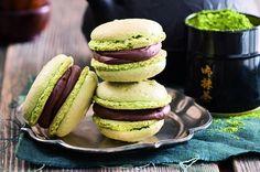 Matchakronky s čokoládovou náplní Salmon Burgers, Matcha, Macarons, Cookies, Breakfast, Ethnic Recipes, Food, Pretty, Crack Crackers