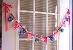 I couldn't just admire others' wonderful bunting, I had to make some for myself!