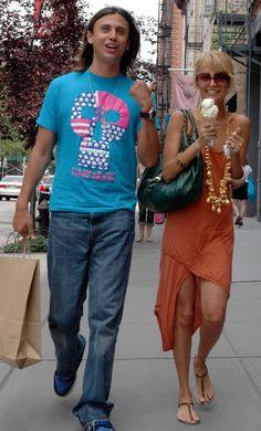 Nicole Richie wearing Fendi Spy Bag in Forest Green.