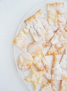 <i>Crostoli Della Nona </i> Recipes Italian Butter Cookies, Italian Cookie Recipes, Italian Desserts, Easy Desserts, Italian Foods, Fancy Recipes, Dessert Simple, Crostoli Recipe, Sour Cream Banana Bread