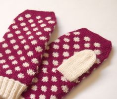 SewSew Knitted Mittens