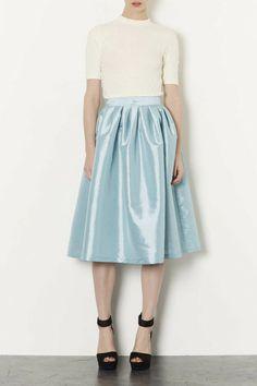 topshop-pale-blue-pale-blue-taffeta-skirt-product-4-14918722-387331240_large_flex.jpeg (400×600)