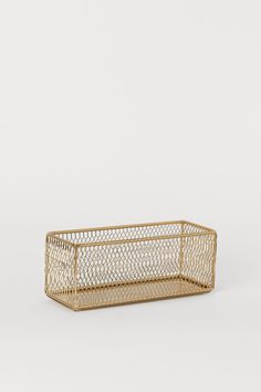 Oppbevaringskurv i metall - Gull - Home All Baskets On Wall, Storage Baskets, Shoe Tray, H & M Home, Style Personnel, Phone Organization, Built In Desk, Gold Shoes, Beauty Routines