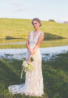 Just everything about this new wedding. NSW-purple-hair-bride-wedding-inspiration-barn-country.