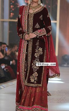 Buy Pakistani Designer Party Dresses online shopping from our collection of Indian Pakistani fancy Party wear fashion suits for USA, UK, Canada, Australia. Velvet Pakistani Dress, Pakistani Bridal Dresses, Pakistani Dress Design, Pakistani Outfits, Indian Dresses, Bridal Lenghas, Pakistani Clothing, Walima, Bridal Gowns