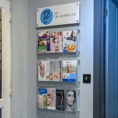 Create your branded leaflet display. Combine a printed panel with & DL clear acrylic leaflet holders. Mix & match sizes on the same display. Brochure Display, Brochure Holders, Design Brochure, Cast Acrylic, Clear Acrylic, Pamphlet Design, Layout, Wall Prints, Graphic Prints