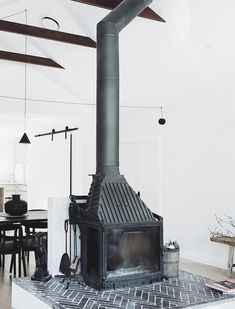 Good Absolutely Free commercial Fireplace Design Style Whether or not you live within Aspen or Ohio, there's really no doubt the particular reassuring result connected with Fireplace Hearth, Stove Fireplace, Fireplace Design, Fireplaces, Tall Fireplace, Fireplace Ideas, Barbacoa, Country House Interior, Building A New Home