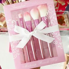 Perfect Pretty Pink Brushes by @slmissglam  I love them!  Happy Pink…