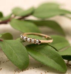 Vintage 14K Gold Seed Pearl Ring