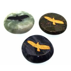 Carved Eagle animal totem stone for high ideals, wisdom and freedom. A random carved gemstone talisman supplied with a velvet carrying pouch and card. Stone size 30x30mm approx.  The Native Americans believe that each animal has characteristics that can teach and guide us to take the correct path.