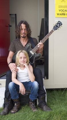Chris Cornell with son.