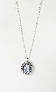 Silver Cat Cameo Pendant Necklace @Jody Bradshaw  for Taylor