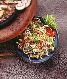 Bean Sprouts Salad in A Peanut Chilli Dressing recipe | Thai Recipes | by Tarla Dalal | Tarladalal.com | #452