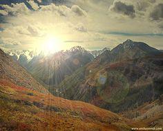В этом уроке Вы узнаете, как ,при помощи различных фильтров, на обычную фотографию добавить эффект восходящего солнца.