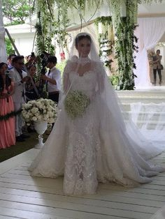 PHOTOS: Scenes From Chiz Escudero and Heart Evangelista's Balesin Wedding | Entertainment | Showbiz | SPOT.ph: Your One-Stop Urban Lifestyle Guide to the Best of Manila