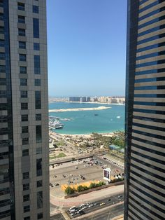 A picture heavy travel diary of our trip to Dubai. Palm Jumeirah, Dubai Travel, Coaster Furniture, The Other Side, Train Station, San Francisco Skyline, Property For Sale, Skyscraper, Things To Come