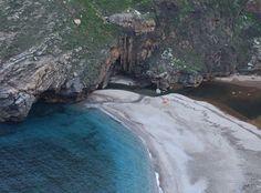 Εύβοια: Η μαγευτική παραλία με τις ατελείωτες φυσικές ομορφιές Where To Go, Greece, Places To Visit, Heaven, Vacation, Water, Outdoor, Water Water, Vacations