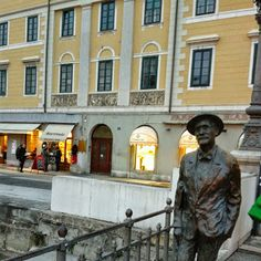 Piazza Ponterosso
