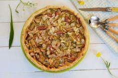 Recette de la tarte rhubarbe facile, avec une crème aux amandes. Recette facile pour se régaler en toute simplicité. Valeur sûre !