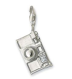 Thomas Sabo Camera Charm to commemorate my love of capturing memories Thomas Sabo, Charm Jewelry, Jewlery, Charm Bracelets, Cute Charms, Good Energy, Disney Tips, Got The Look, New Things To Learn