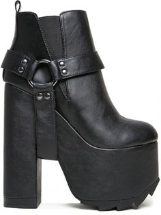 Nothing screams confidence quite like women's platform shoes. Browse Gothic platform boots, punk heels, and much more from the hottest shoe brands. Heeled Boots, Shoe Boots, Ankle Boots, Gothic Shoes, Creative Shoes, Fall Shoes, Platform Boots, Moto Boots, Black Boots