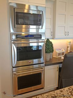 Stacked microwave and double oven