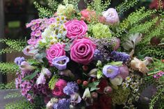 Krásna kytica, ruže, zvončeky, santinky, miniruže, limonky, kamilky 50 € http://www.kvetysilvia.sk/donaskova-sluzba/