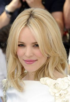 Short to Medium Elegant Hairstyles for Women