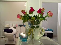 Pokój dla Dwojga Pedicure, Glass Vase, Home Decor, Pedicures, Decoration Home, Room Decor, Interior Design, Home Interiors, Interior Decorating