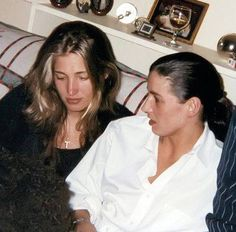 Carolyn Bessette and sister