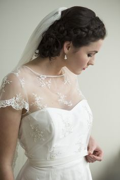 Jasmin Dress by Sophie Voon Bridal Sophie Voon wedding dresses lovingly designed and crafted in our Wellington, New Zealand workroom. Bridal Wedding Dresses, Crafts, Beautiful, Design, Manualidades, Wedding Dressses, Handmade Crafts, Diy Crafts, Design Comics