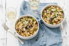 Risotto, maar dan van quinoa. Gecombineerd met de aardse smaken van Hollandse groenten - Recept - Quinotto met paddenstoelen en knolselderij - Allerhande