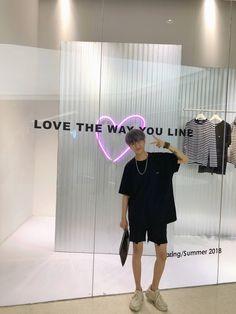 Asian Men Fashion, Urban Fashion, Boy Fashion, Mens Fashion, Fashion Outfits, Pretty Boys, Cute Boys, Best Photo Poses, Korea Boy