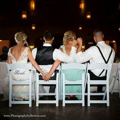 must have photo with the maid of honor and best man Muss Foto mit der Trauzeugin und Trauzeuge haben When I Get Married, I Got Married, Getting Married, Wedding Wishes, Wedding Bells, Best Friend Wedding, Wedding Ideias, Foto Fun, Before Wedding