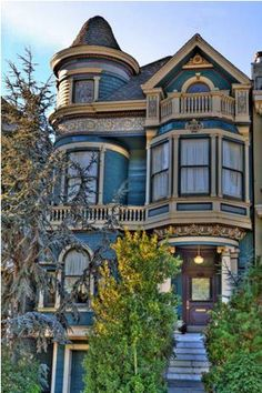 Carpenter Gothic; San Francisco, CA.- Normally not a fan of this style- but the colors and the turret are just calling to me
