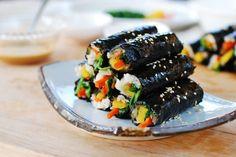 This mini gimbap or kimbap (Korean sushi rolls) is so addictive that it& called mayak gimbap, meaning drug gimbap. It& the sauce that makes this minimalist gimbap so addictive. Korean Dishes, Korean Food, K Food, Food Porn, Gimbap Recipe, Asian Recipes, Healthy Recipes, Sushi Recipes, Asian Foods