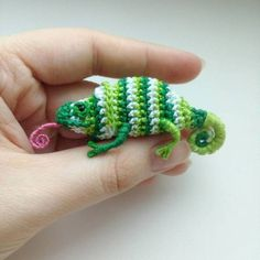 We are all chameleons …    Crocheted by Owl_Victorika. Rating: 8.9/10 (19 votes cast) Share this awesomesauce:  Related posts: Crochet a VW Beetle Volkswagen Amigurumi – Such a Cute Bug!  Finn's Pick: