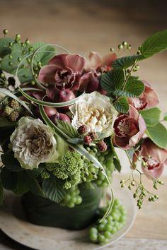 beautiful flowers for living room table Flower Arrangement Designs, Beautiful Flower Arrangements, Love Flowers, Silk Flowers, Spring Flowers, Floral Arrangements, Orchid Flowers, Beautiful Flowers Wallpapers, Flower Aesthetic