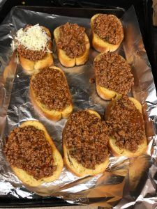 Texas toast sloppy Other Recipes, Great Recipes, Favorite Recipes, Dinner Recipes, Easy Recipes, Dinner Ideas, Supper Ideas, Lunch Ideas, Meal Ideas