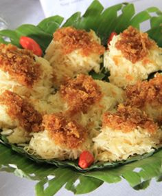 Kacimuih, satu lagi makanan khas Indonesia http://www.perutgendut.com/read/kacimuih-gurihnya-singkong-dengan-taburan-kelapa/862 #Nusantara