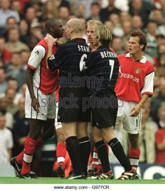 Arsenal 1 Man Utd 2 in Aug 1999 at Highbury. Then Jaap Stam grips Patrick Vieira by the throat. But it was a red card for the Arsenal man Jaap Stam, Patrick Vieira, Man Utd Crest, Manchester United, Arsenal, 2 In, Soccer, The Unit, Football